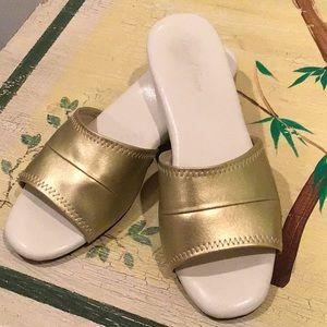 Daniel Green Womens Shoes NEW $60 Jordyn Black Ivory Fur Slipper Shoes 5 M